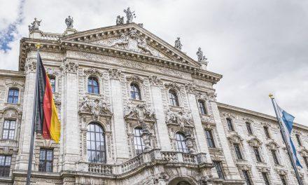 Landgericht München I verbietet UBER Apps in München